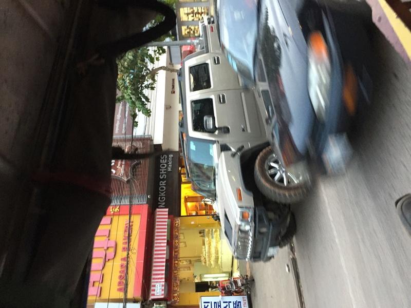 Vu au Cambodge... beaucoup de H2 d ailleurs  E492b710