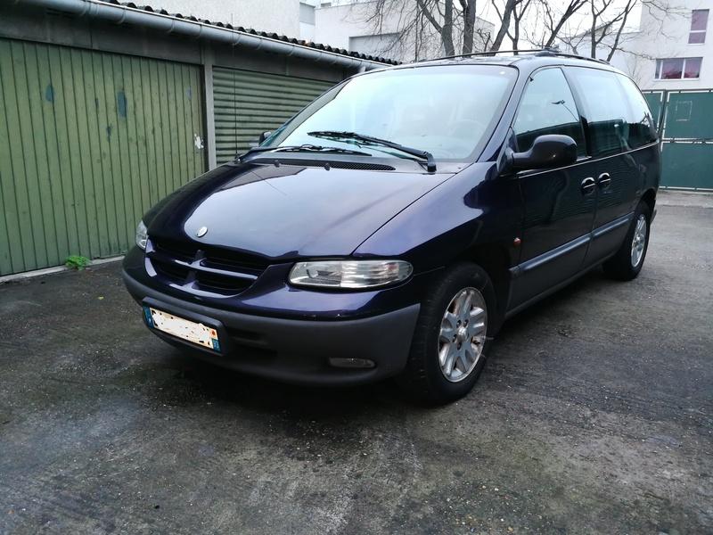 Nouveau venu en Chrysler 3 3,3 LX Img_2010
