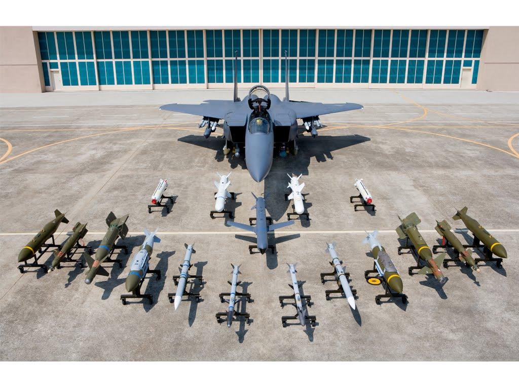 Photos d'avions militaires - Page 28 13304310