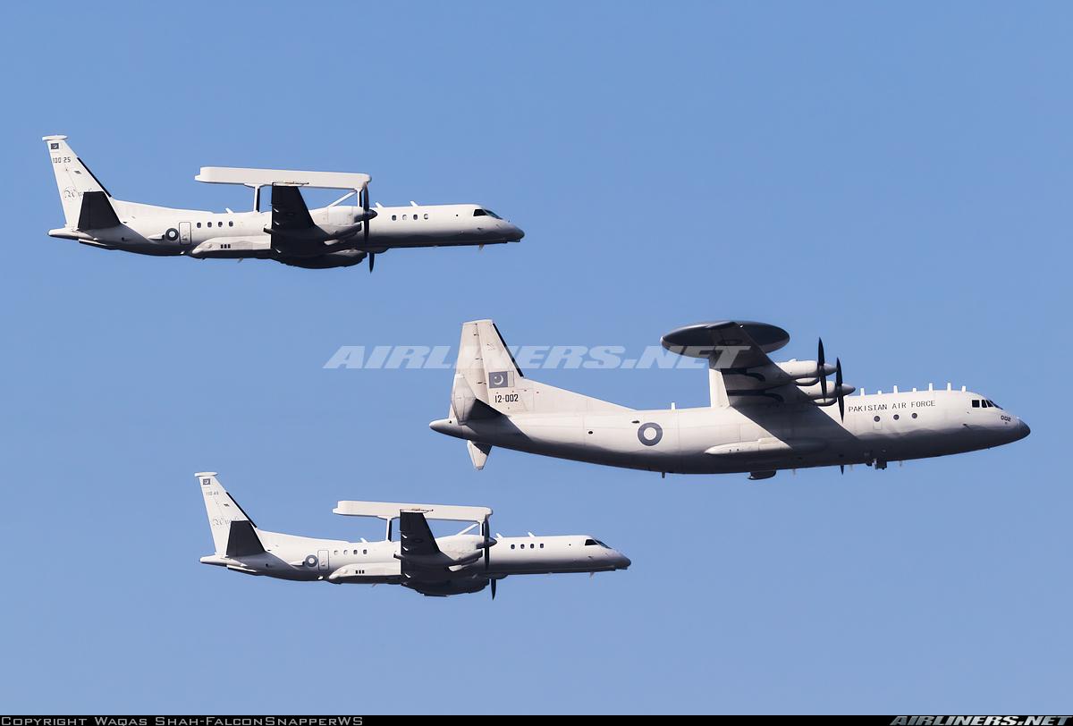 Photos d'avions militaires - Page 28 44990810