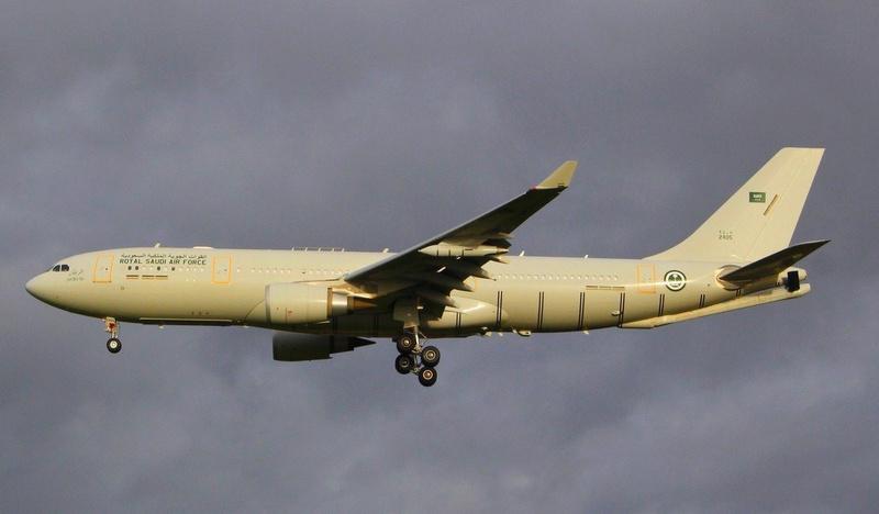 Photos d'avions militaires - Page 28 452210