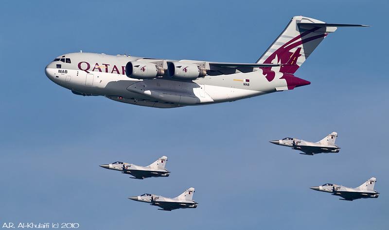 Photos d'avions militaires - Page 28 52730610