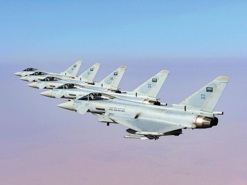 Photos d'avions militaires - Page 27 Ddd5t410