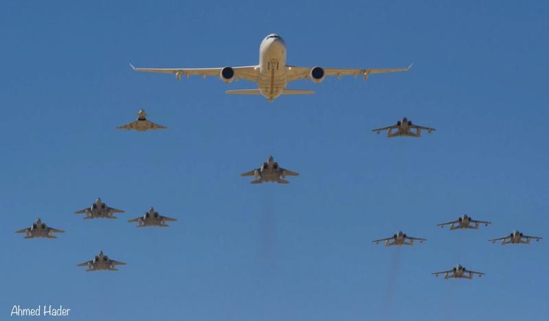 Photos d'avions militaires - Page 27 Deevbu10