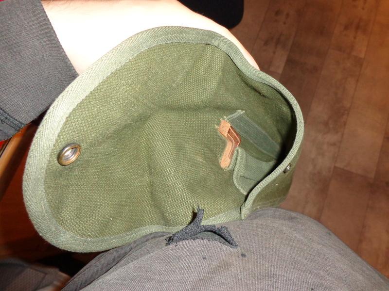 Some Belgian items, beret ID's needed Dsc03810