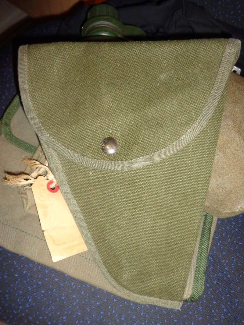 Some Belgian items, beret ID's needed Dsc03811
