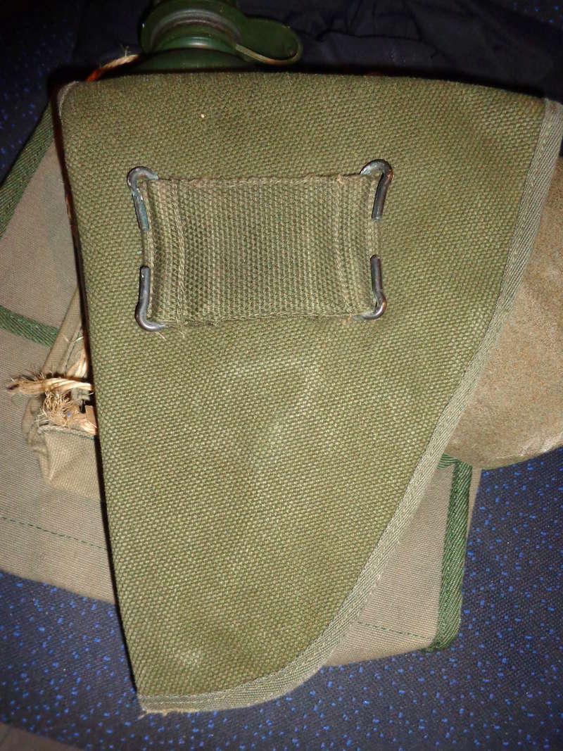 Some Belgian items, beret ID's needed Dsc03812