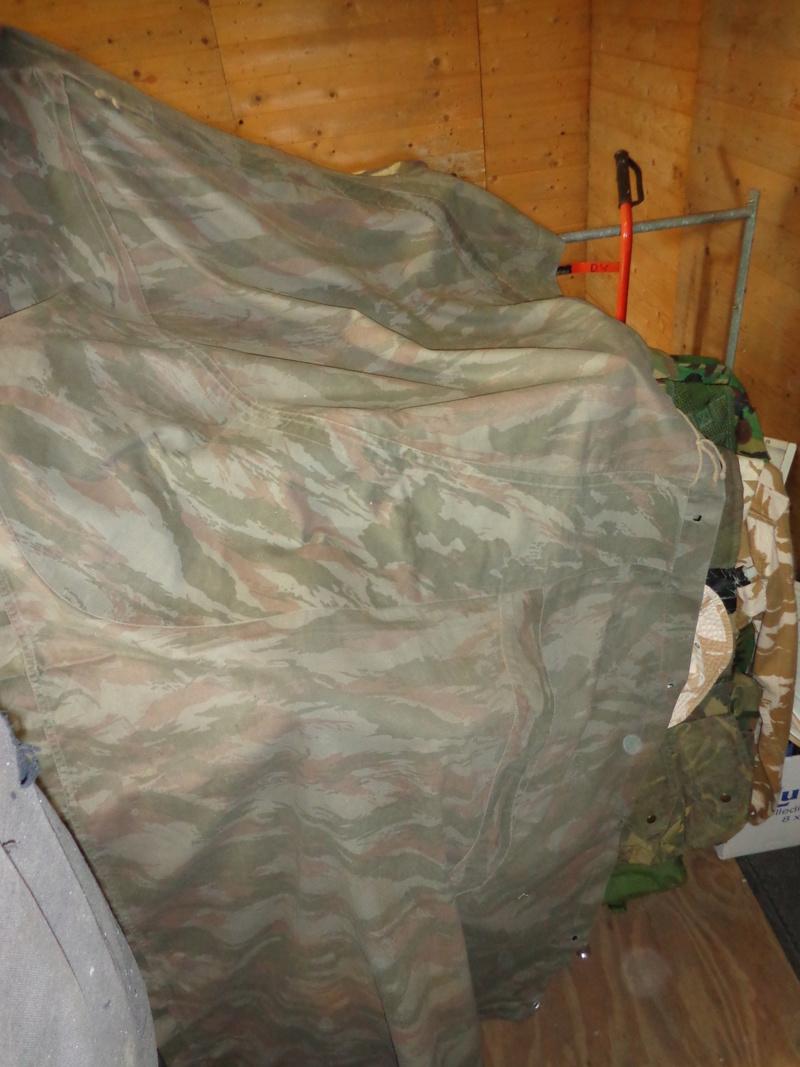 Some Belgian items, beret ID's needed Dsc03820
