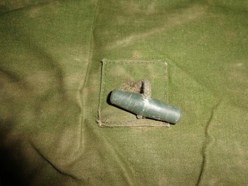 Some Belgian items, beret ID's needed Dsc03827