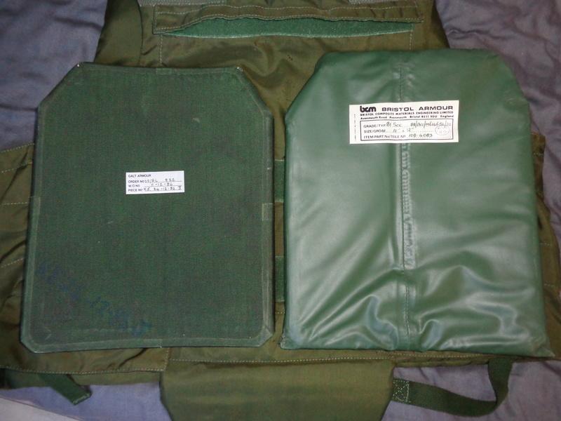 Some Belgian stuff from Ciney, Wittock body armor info needed Dsc03910