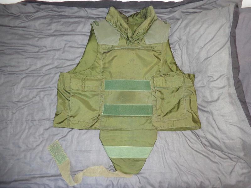 Some Belgian stuff from Ciney, Wittock body armor info needed Dsc03915