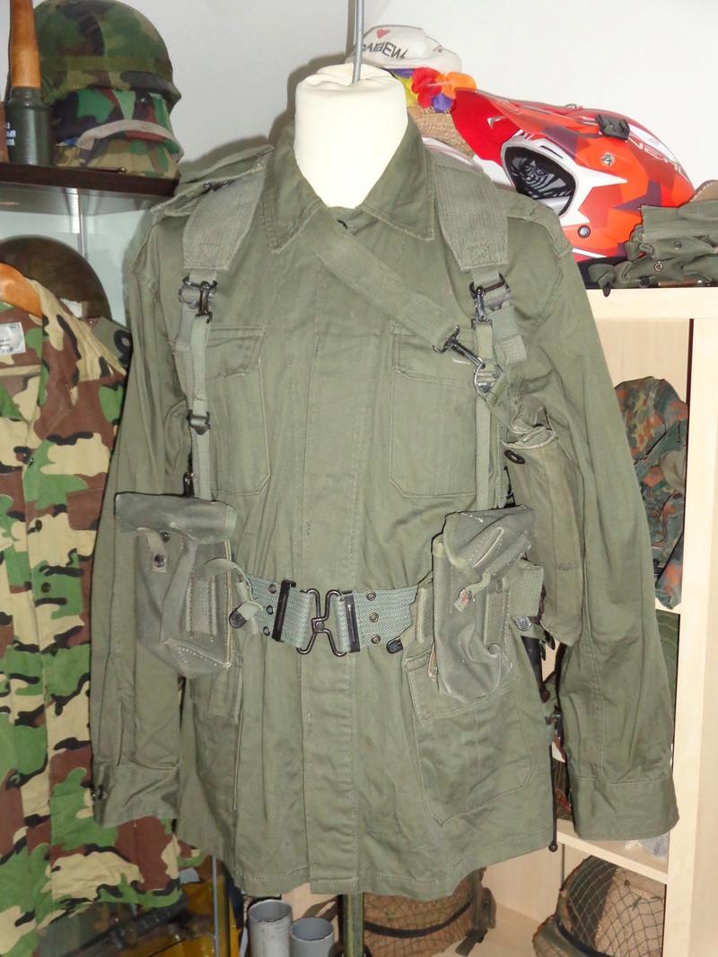 Greek Army webbing Dsc04715