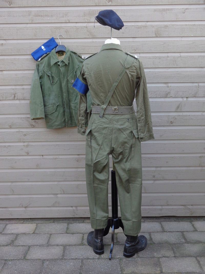 Dutch army loadout displays (cold war era) - Page 3 Nederl16