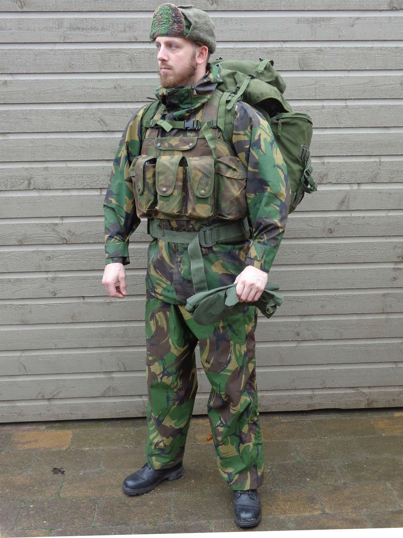 Dutch army loadout displays (cold war era) - Page 3 Nederl18