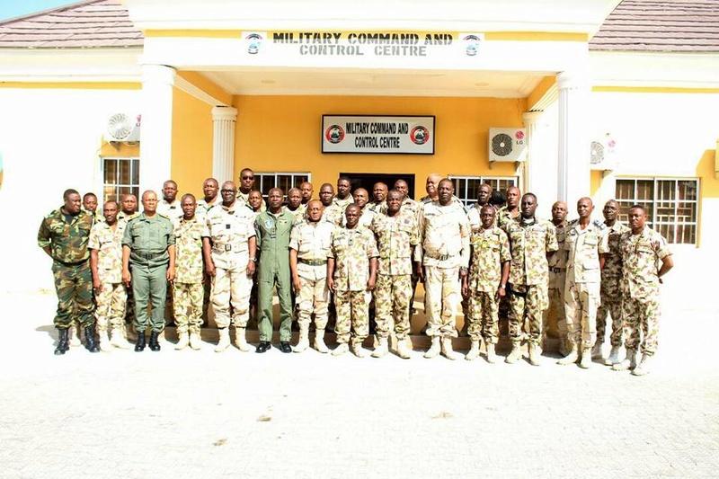 Forces Armées Camerounaises - Page 6 A1853110