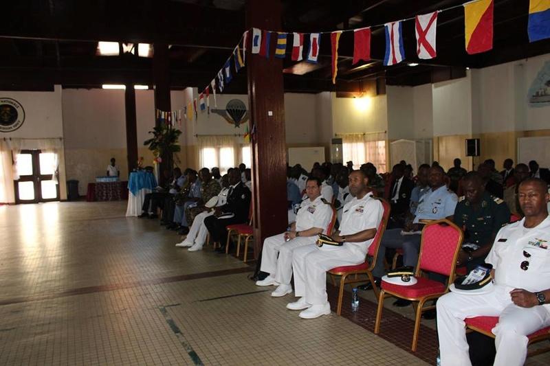 Forces Armées Camerounaises - Page 6 A1856810
