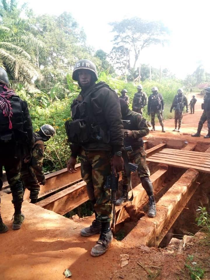 Forces Armées Camerounaises - Page 7 A2200510