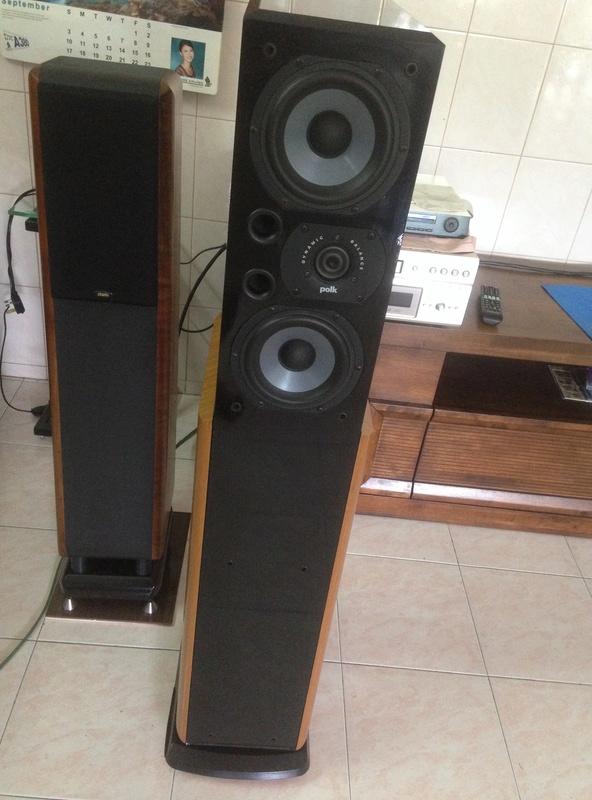POLK audio LSI 15 tower speakers + LSIC  center speaker  Img_3010