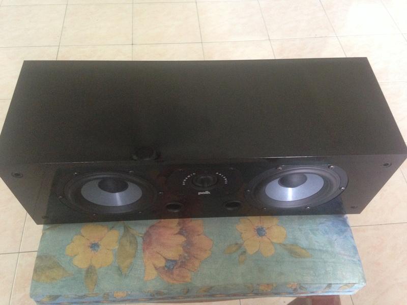 POLK audio LSI 15 tower speakers + LSIC  center speaker  Img_3124