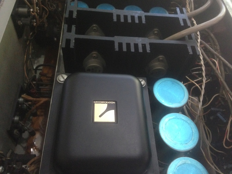 LUXMAN SQ-1220 int amp(SOLD) Img_5229