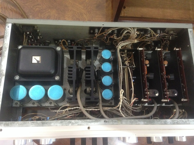 LUXMAN SQ-1220 int amp(SOLD) Img_5230