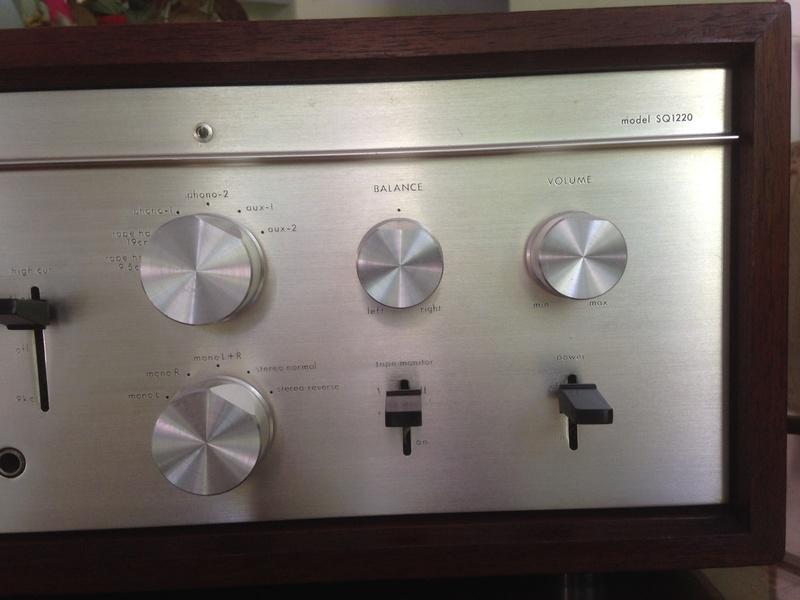 LUXMAN SQ-1220 int amp(SOLD) Img_5312