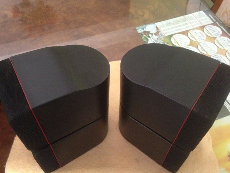 Bose Am5 Series II sub-woofer + 4 Bose Redline Single Cube Img_5527