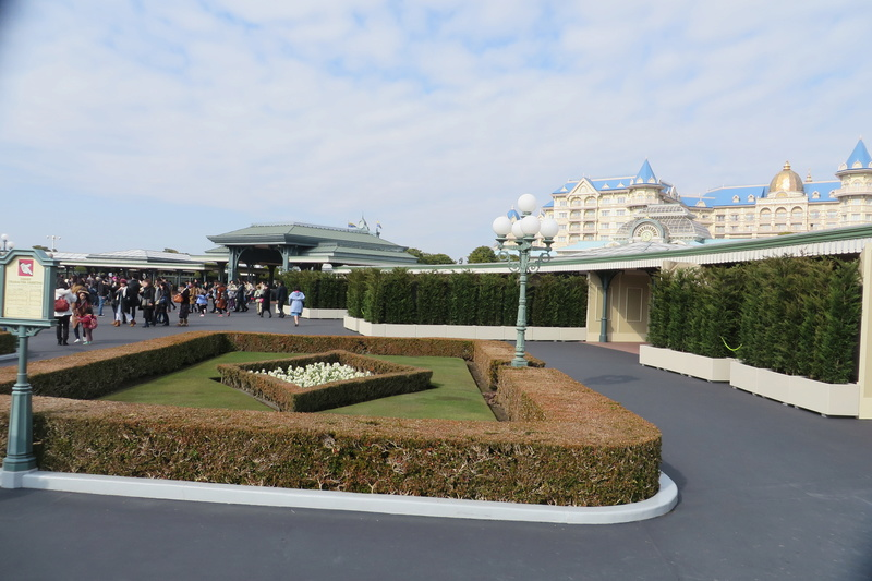 [Tokyo Disneyland] Nouvelles attractions à Toontown, Fantasyland et Tomorrowland (15 avril 2020)  - Page 4 Img_9712