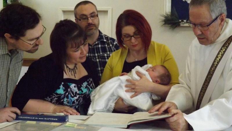 Le baptême de Noémie... Baptem15