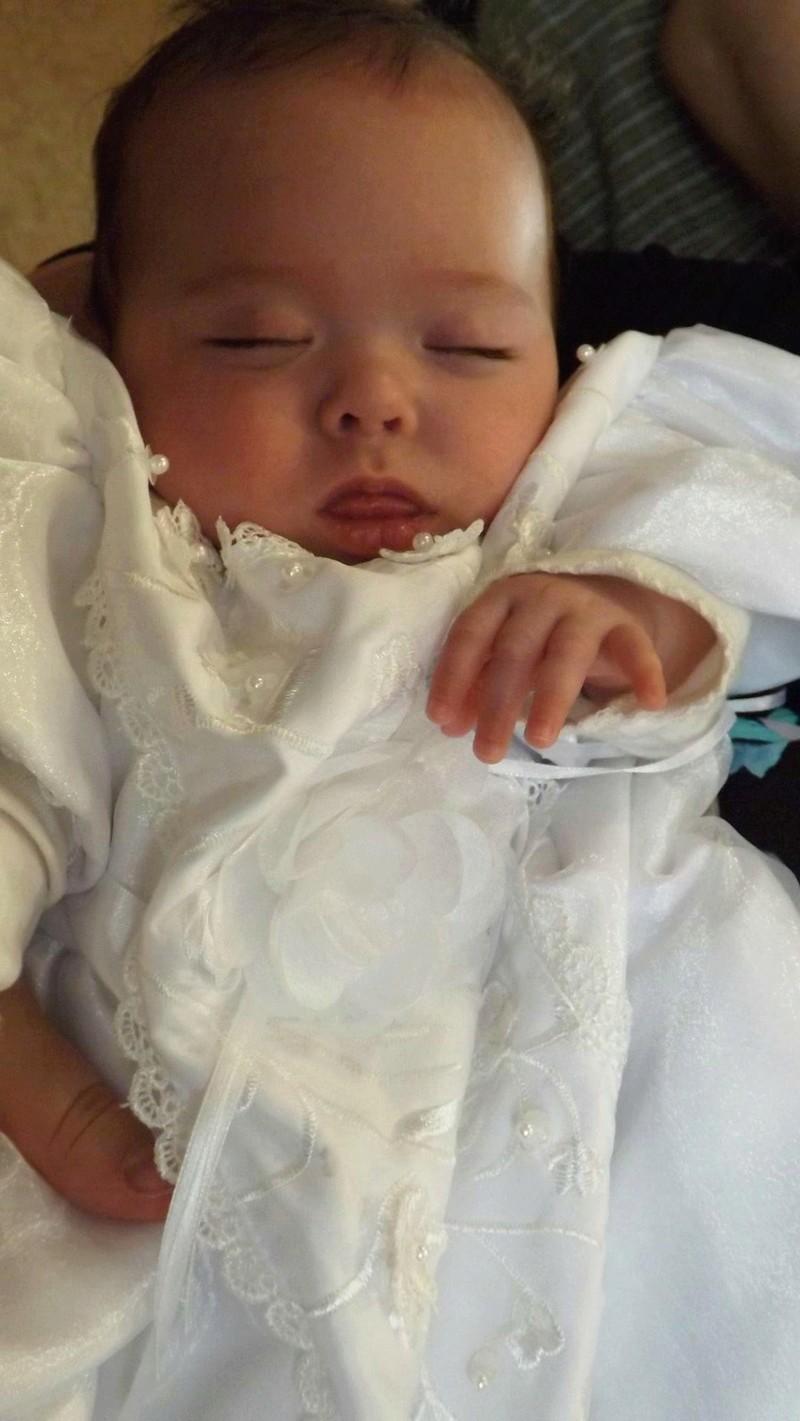 Le baptême de Noémie... Baptem17