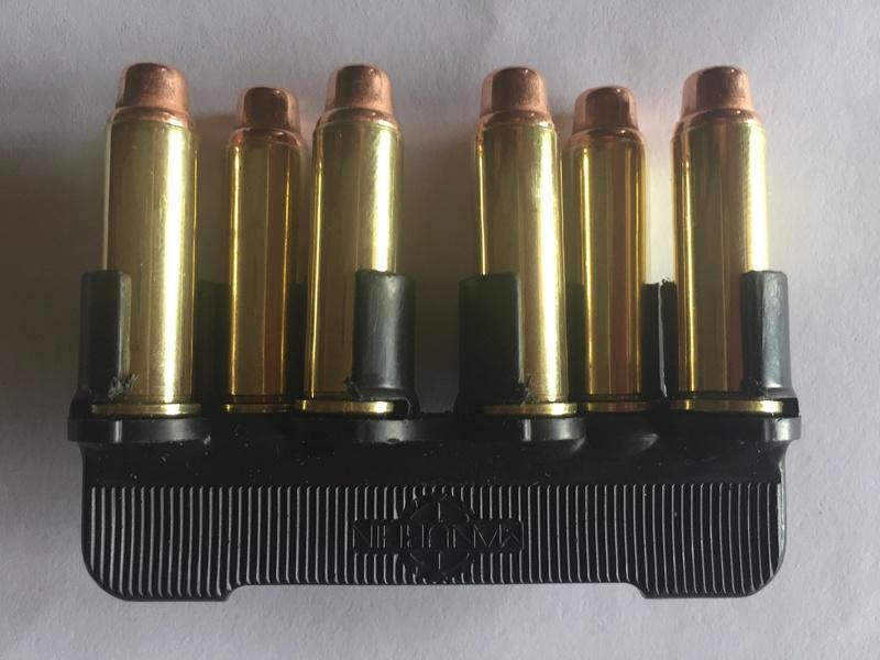 """Barettes de ré-approvisionnement """"rapide"""" pour MR73 Manurhin Img_9411"""