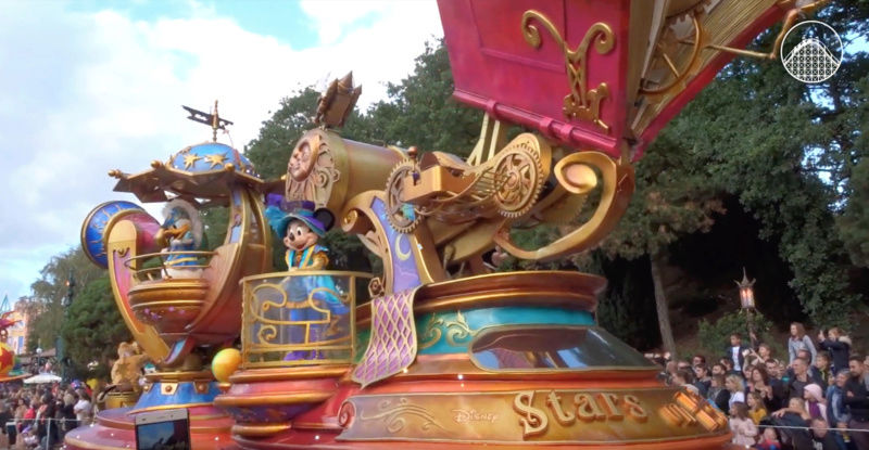 Disney Stars on Parade (2017) - Page 37 Captur15