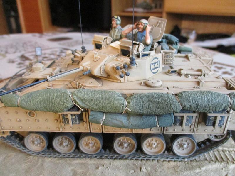 Guerre du Golfe 1991 - MCV Warrior (Academy) et T55 Enigma (ESCI et Verlinden)  Img_0016