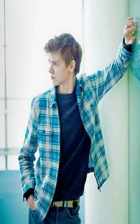 Thomas Brodie-Sangster Blue-t10