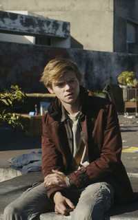 Thomas Brodie-Sangster Thomas29