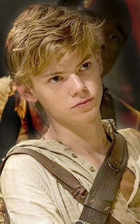 Thomas Brodie-Sangster Thomas32