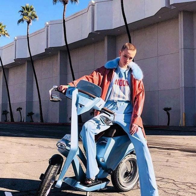 Ujet, le scooter électrique jamais en panne sèche ! By DETOURS Captu139