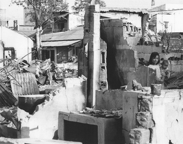 Một Lịch Sử Đau Thương Của Thành Phố Sài Gòn Năm 1968 - Page 2 Io_nyy18