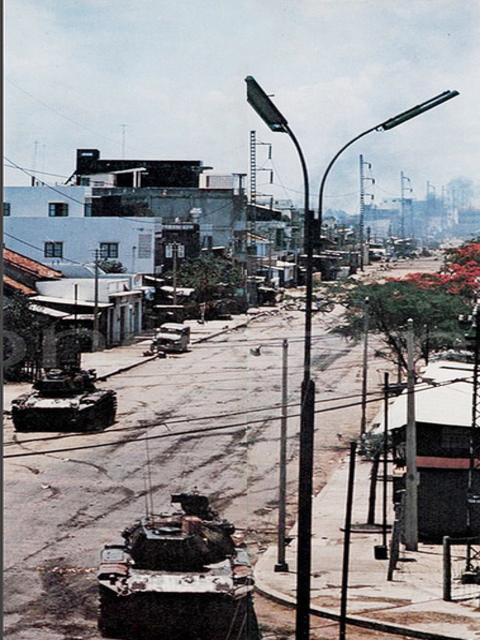Một Lịch Sử Đau Thương Của Thành Phố Sài Gòn Năm 1968 - Page 2 Oie_5q11