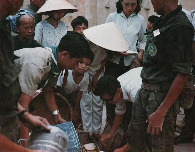 Một Lịch Sử Đau Thương Của Thành Phố Sài Gòn Năm 1968 - Page 2 Tryi_t30