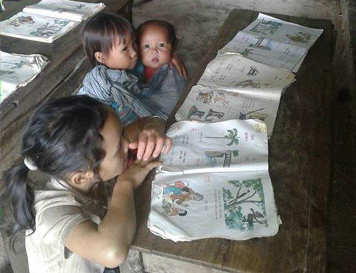 Những bức ảnh về tình yêu thương của anh em, chị em, trong cảnh nghèo, khiến người xem rơi lệ Tsucsd10