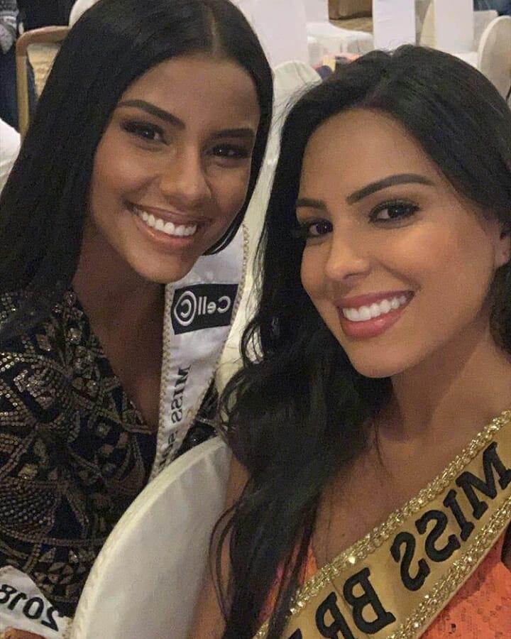 "2 ""pocahontas"" juntas: miss south africa & miss brazil. 44870610"