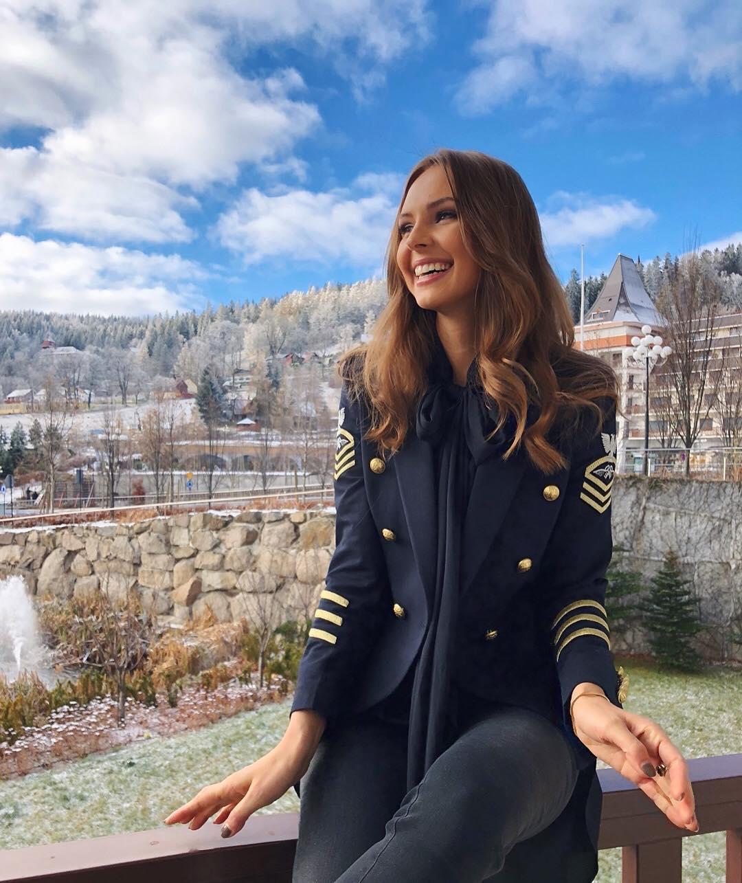 magdalena bienkowska, 2nd runner-up de miss supranational 2018/top 40 de miss world 2017/top 15 de miss international 2016. - Página 24 45363610