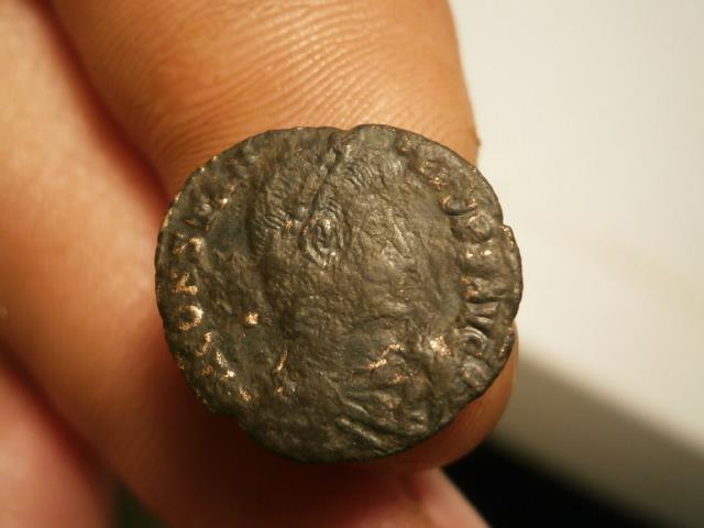 AE3 de Constancio II. FEL TEMP REPARATIO. Arlés Pa290017