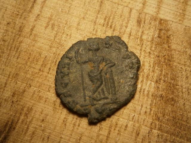 AE4 de Constante o Constancio II. SECVRITAS REIP. Roma Pa300012