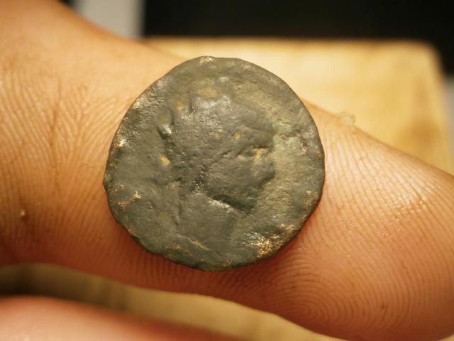 Antoniniano póstumo de Claudio II de cuño hispano. CONSECRATIO. Águila Pb020022