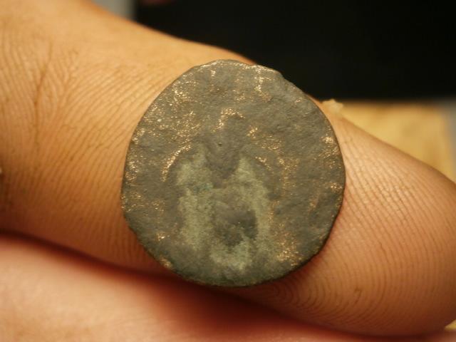Antoniniano póstumo de Claudio II de cuño hispano. CONSECRATIO. Águila Pb020023
