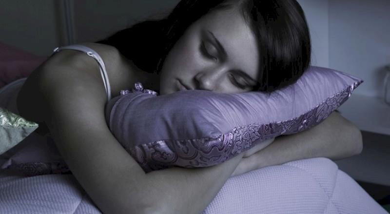 Dovoljno ste spavali ali se ipak ujutro grozno osjećate! 13352710