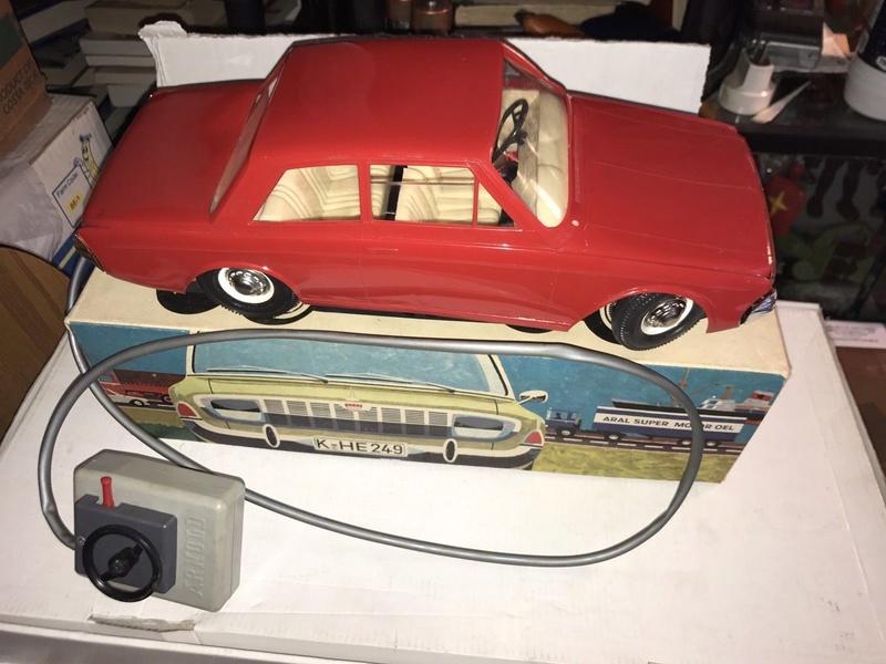 Ford Modelbiler S-l16010