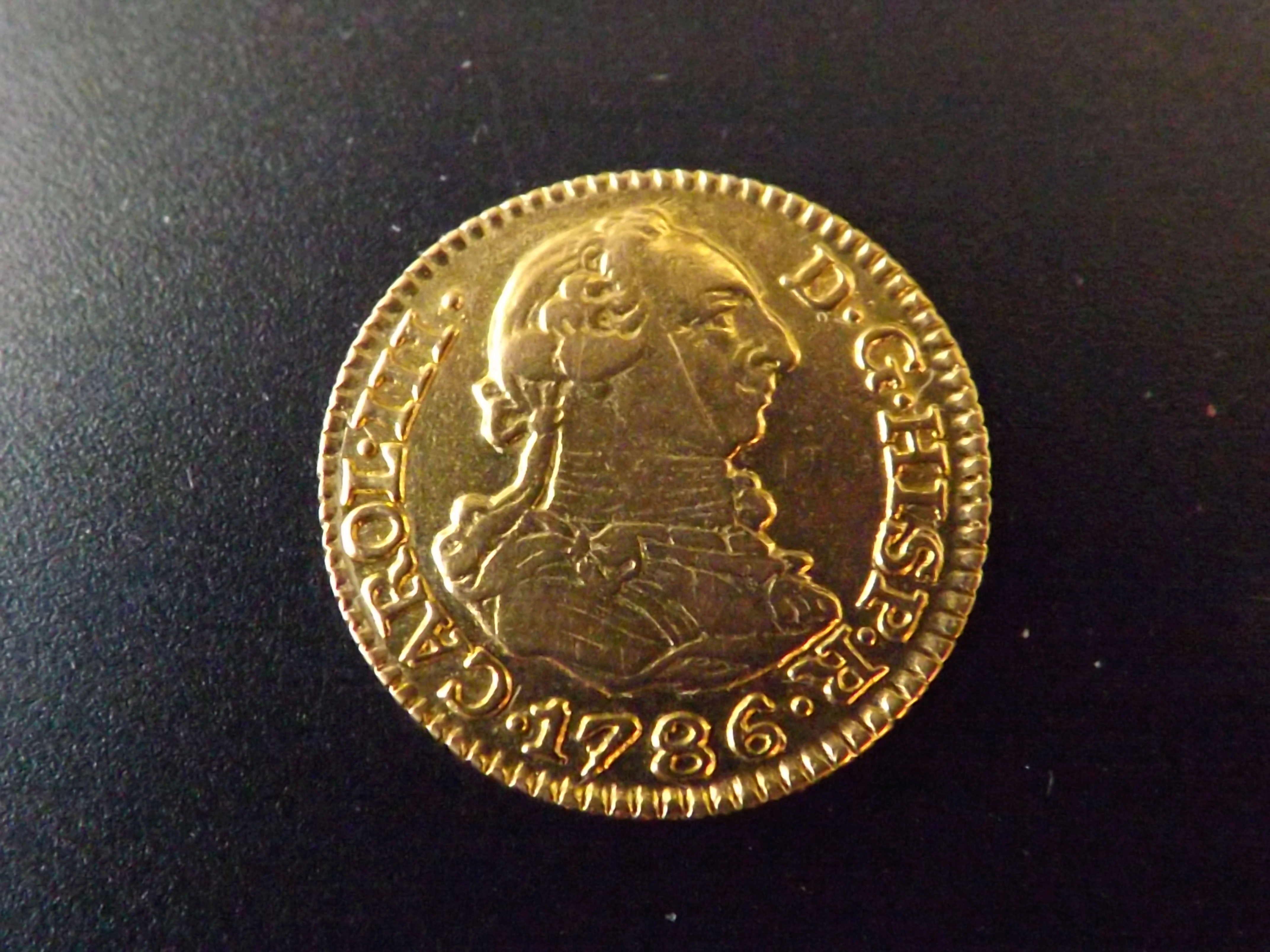 ½ escudo 1.786 de Carlos III.   Dscf3129